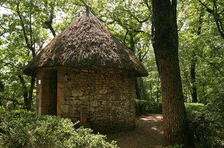 Cabane dans le parc de Marqueyssac. © Laugery, DR