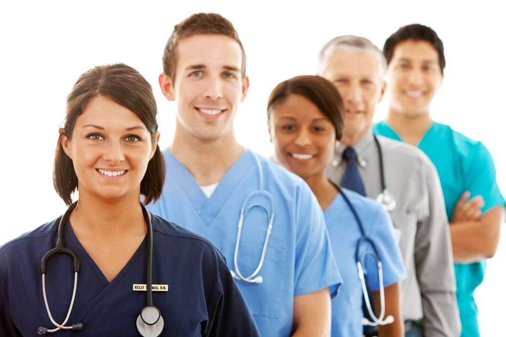 Les métiers de la santé recrutent des profils avec tous les types de qualifications. © Seanlockephotography, Adobe Stock