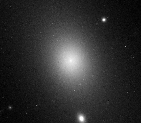 La galaxie IC 1101 est la galaxie connue la plus grande de notre Univers. © Hubble Space Telescope, Nasa, ESA