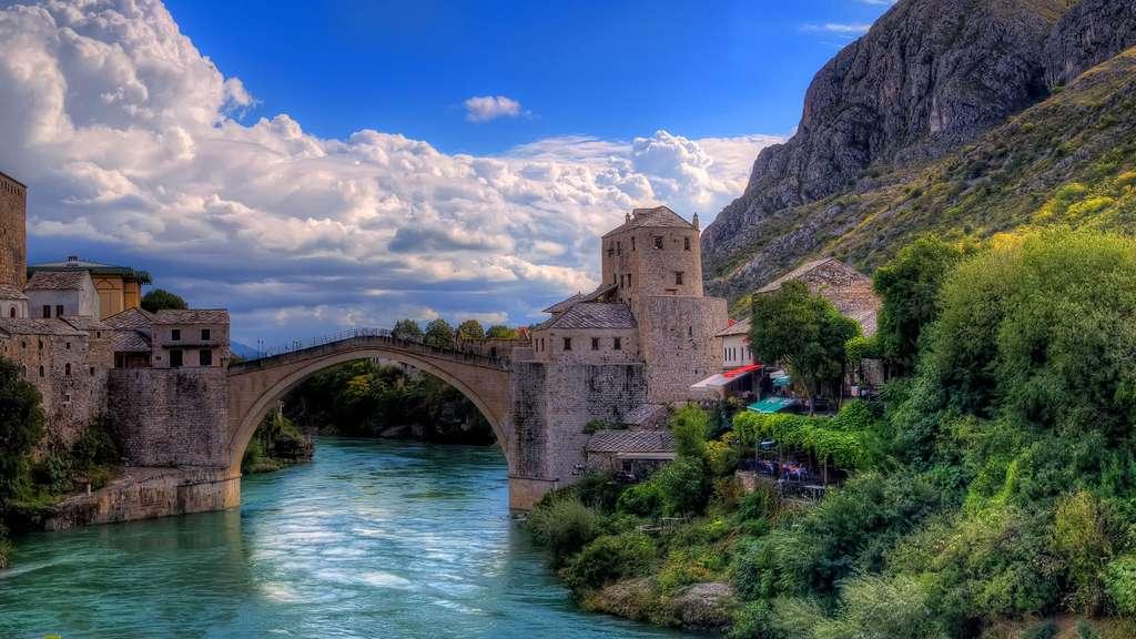 Le pont de Mostar, un symbole de paix en Bosnie-Herzégovine