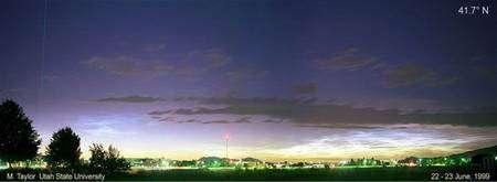 Nuages mésosphériques. Crédit : Université d'Utah