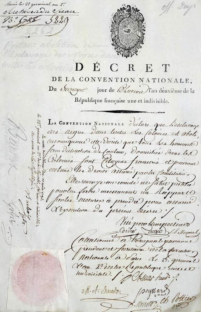 Décret d'abolition de l'esclavage dans les colonies françaises, 16 pluviôse an II (4 février 1794). Archives départementales de Bordeaux. © Wikimedia Commons, domaine public