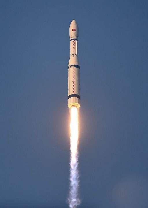 Longue Marche 6 a un petit air de ressemblance avec le Vega d'Arianespace, dont les performances sont plus élevées. © CNSA
