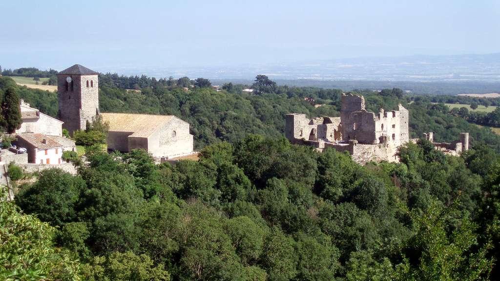 Le château de Saissac, au cœur de la montagne Noire