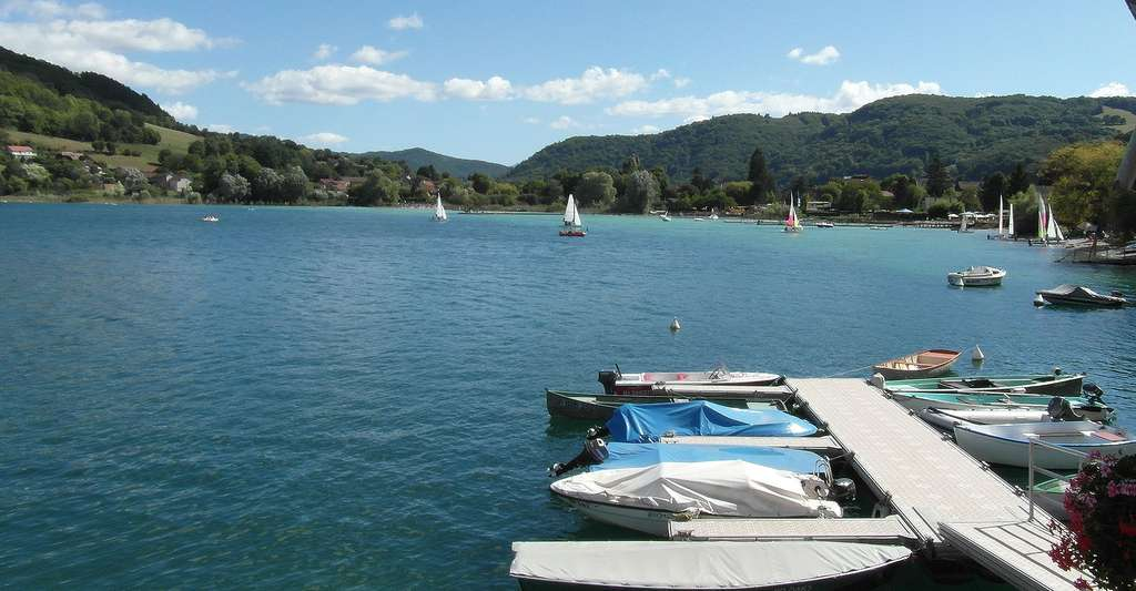 Le lac de Paladru. © CORLIN, Wikimedia commons, CC by-sa 3.0
