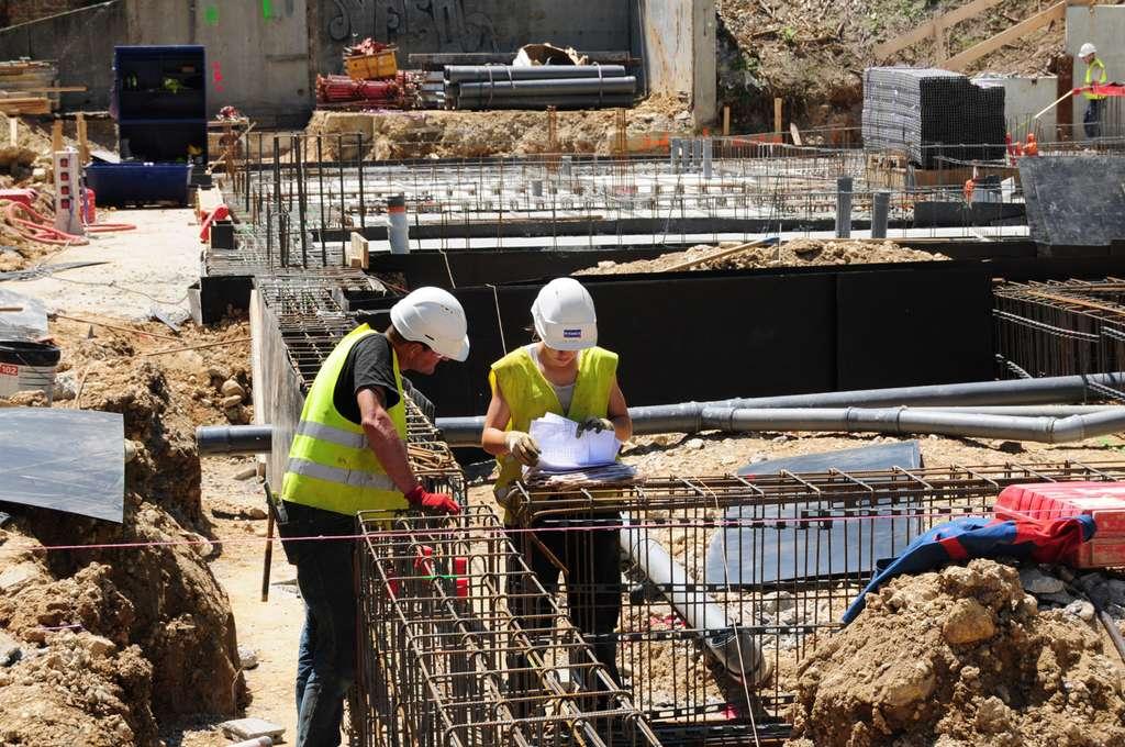De nombreux secteurs économiques, dont ceux de la construction et des travaux publics, devraient tirer profit des services fournis par Galileo. © R. Decourt
