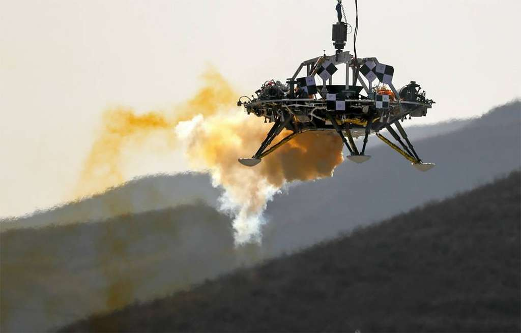 L'atterrisseur du rover martien de la Chine testé dans des conditions simulant la gravité martienne. © Andy Wong, AP, SIPA