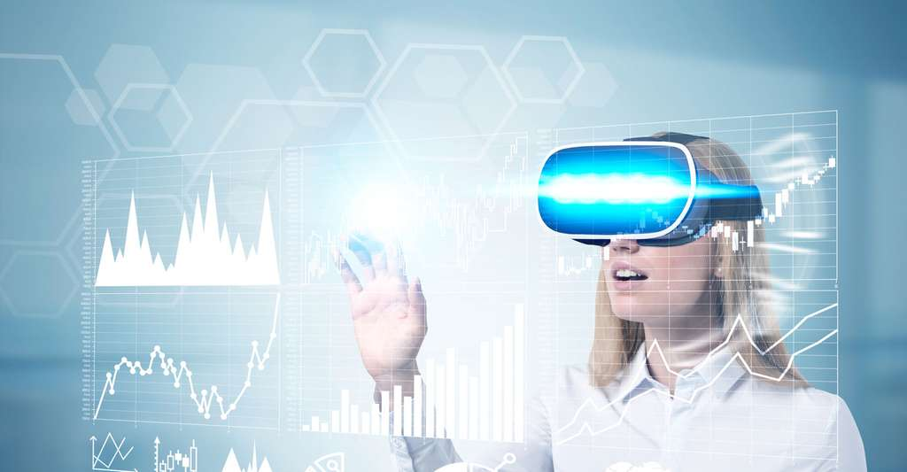 Femme portant des lunettes de réalité virtuelle. © ImageFlow, Shutterstock