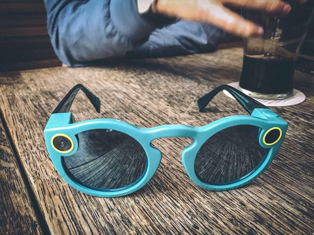 Les lunettes de réalité virtuelle Spectacles de Snapchat ont fait un flop. © Florent Lamoureux, Flickr