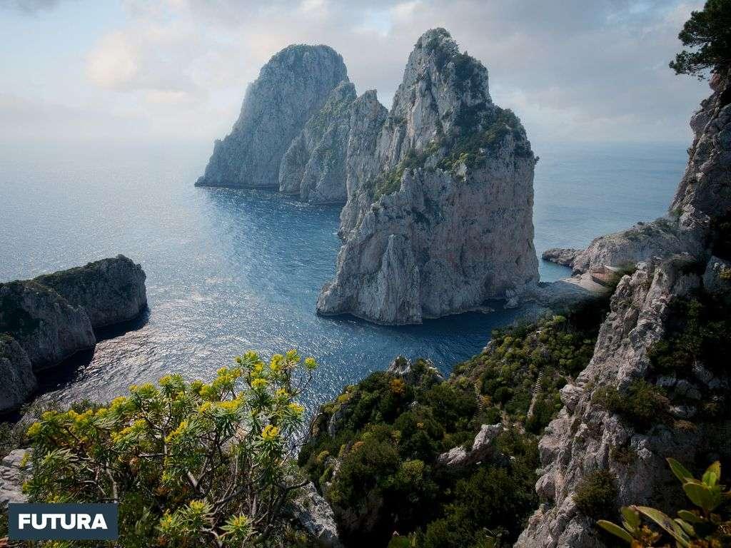 Faraglioni di Capri, nom donné aux trois stacks situés au sud de l'île