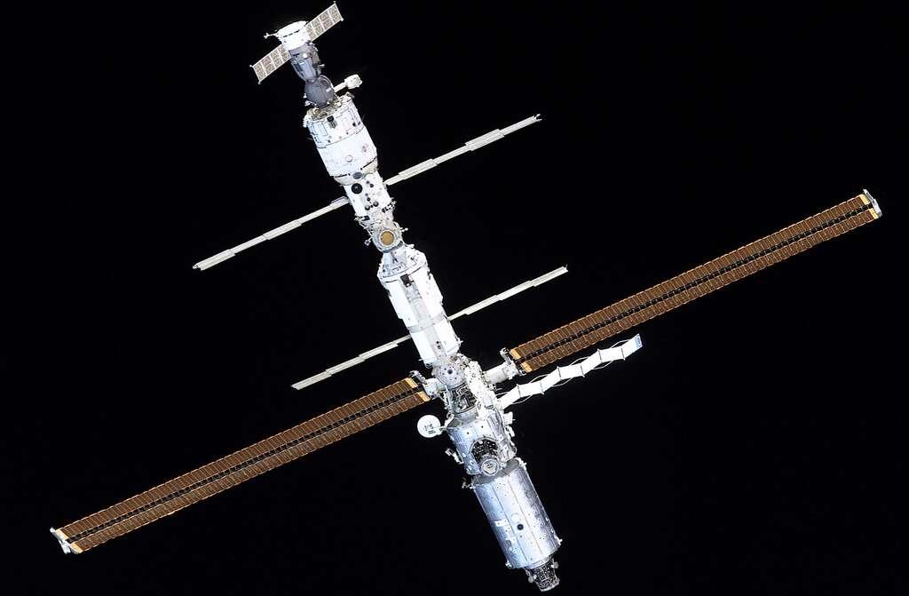 L'ISS en février 2001