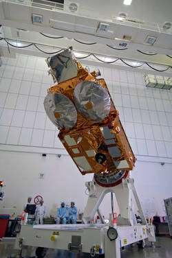 Développé par Astrium, qui a construit la plate-forme du satellite et intégré tous les instruments, CryoSat-2 fournira un bilan détaillé de l'ampleur de la fonte des glaces dans les zones concernées. © Esa / S. Corvaja
