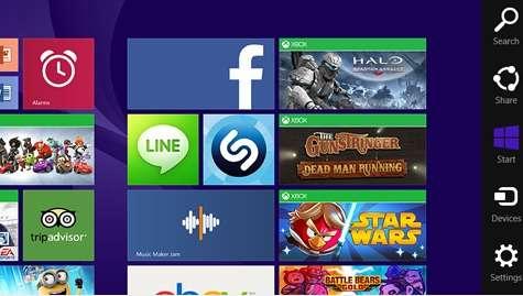 La barre d'icônes ou charms bar (à droite sur l'image) était l'une des nouvelles proposition ergonomiques de Windows 8 qui n'a pas rencontré l'adhésion des usagers. Selon les dernières rumeurs, elle pourrait disparaître dans la prochaine version de l'OS. © Microsoft
