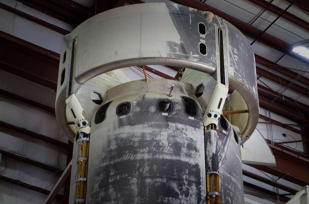 Les senseurs installés à l'extérieur du New Shepard. Ils vont servir à démontrer un atterrissage autonome et de précision sur la Lune. © Blue Origin