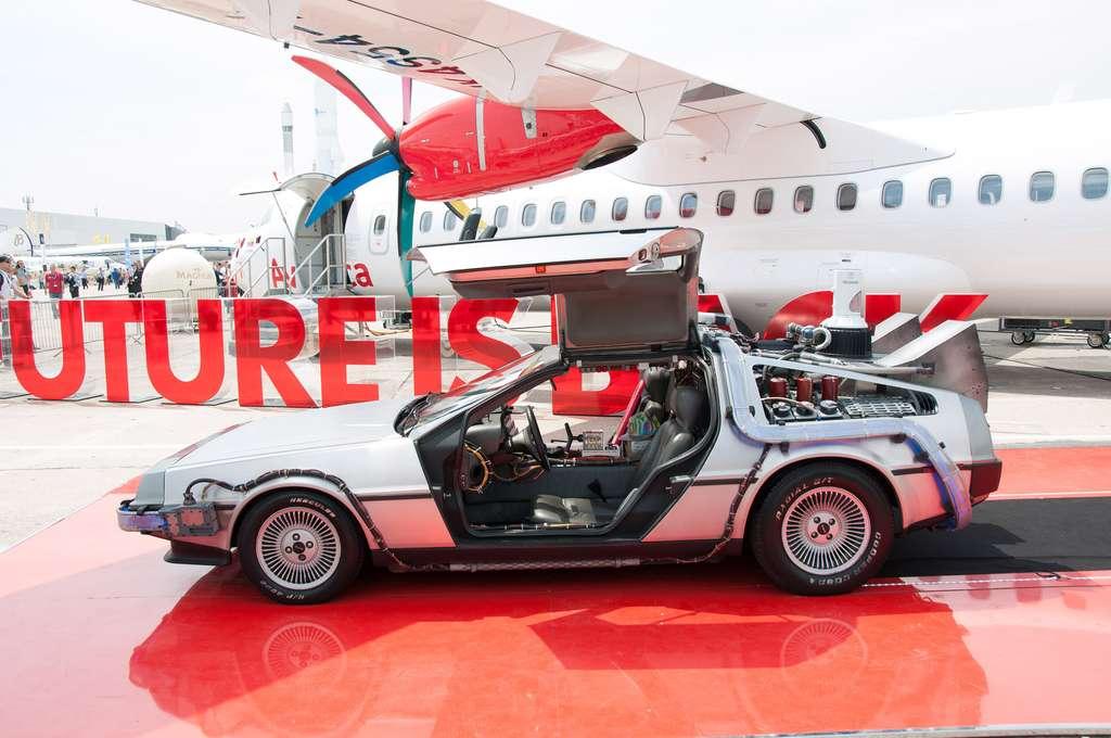 La DeLorean de Retour vers le Futur s'invite au Bourget