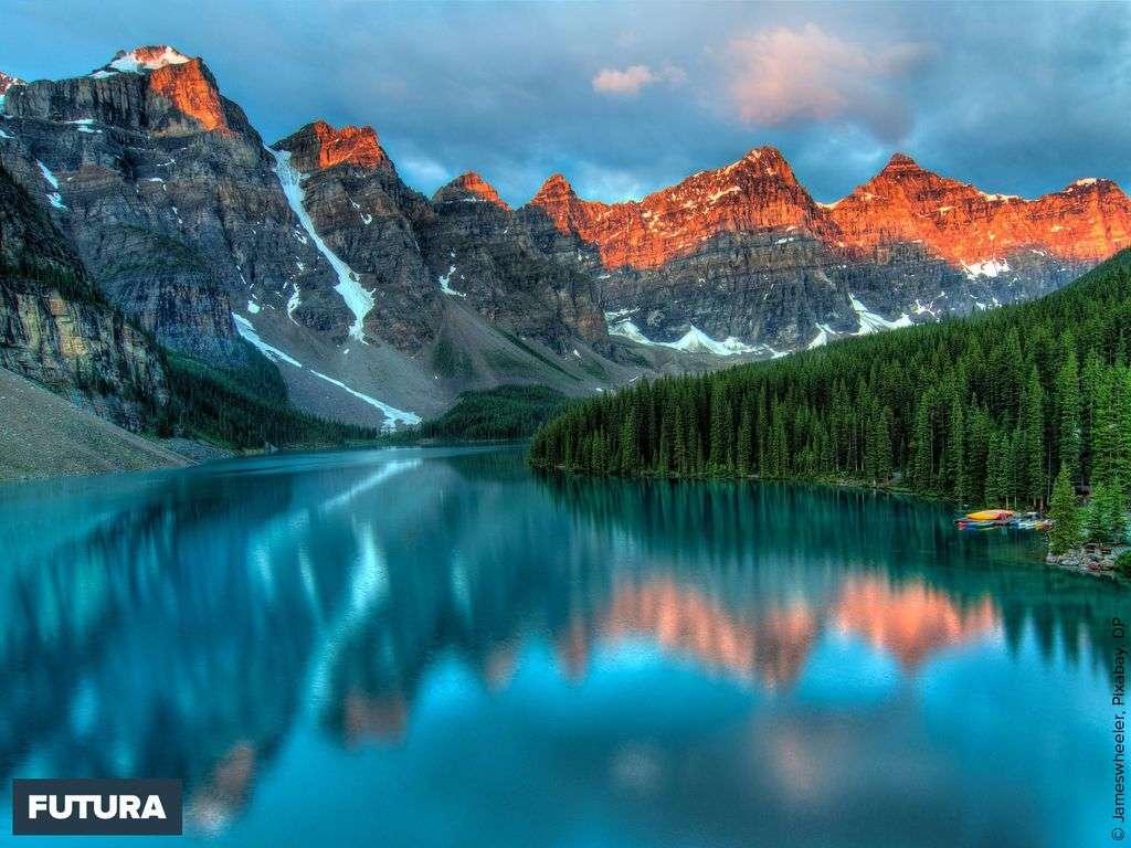 Le Lac Moraine dans le Parc national de Banff au Canada