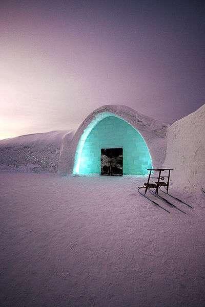 Entrée du village de glace de Lainio, en Finlande