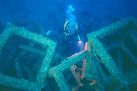 Exemple de récif artificiel. © Éric Charbonnel - Tous droits réservés