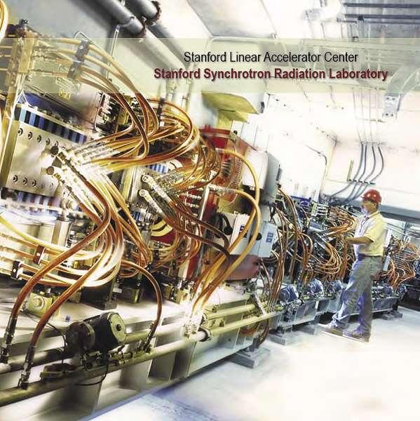 Vue de l'intérieur du bâtiment hébergeant la SSRL (Stanford Synchrotron Radiation Lightsource), à Stanford. On l'utilise pour produire des faisceaux de rayons X et ultraviolets permettant de comprendre les propriétés des matériaux. © Stanford Synchrotron Radiation Lightsource, DP