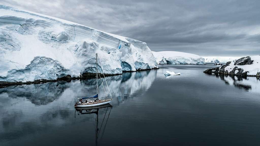 C'est à bord d'un voilier de quinze mètres que Greg Lecoeur et ses compagnons ont embarqué pour une formidable expédition en Antarctique. © Greg Lecoeur, Tous droits réservés