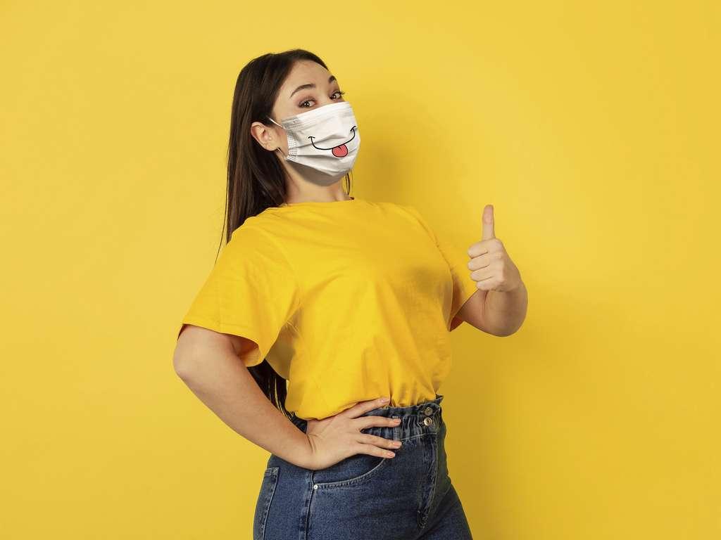 Il est important d'informer le public que l'inconfort associé à l'utilisation du masque ne doit pas conduire à penser qu'il existe des problèmes de sécurité, ce qui serait un jugement non fondé. © Master1305, Adobe Stock