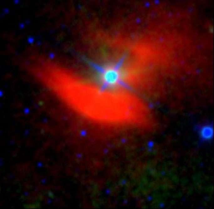 S'il n'a pas permis de découvrir des civilisations extraterrestres, le télescope Wise a toutefois révélé de nouvelles sources infrarouges comme cette nébuleuse entourant l'étoile 48 Librae. © Roger Griffth (Penn State), IPAC (NASA, JPL-Caltech)