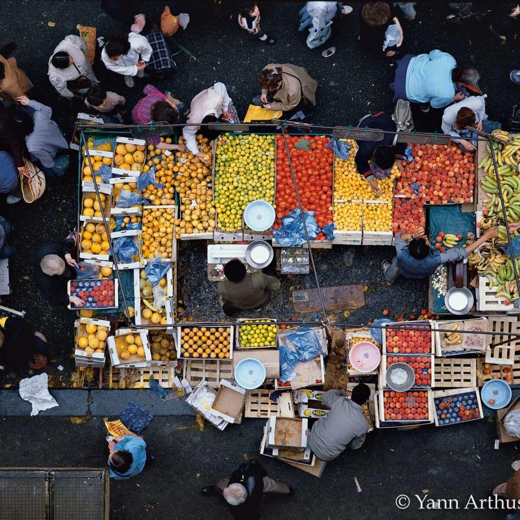 Marché en France. © Yann Arthus Bertrand, tous droits réservés