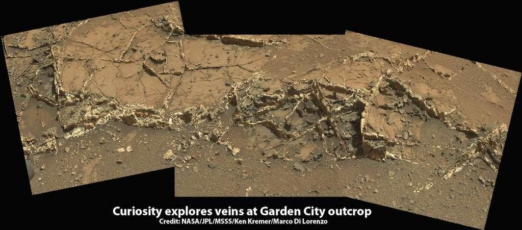 Cet affleurement rocheux traversé de veines de minéraux a été baptisé « Garden City ». Il a été photographié avec la caméra du mât de Curiosity le 15 mars 2015, lors du Sol 926. © Nasa, JPL-Caltech, MSSS, Ken Kremer, Marco Di Lorenzo