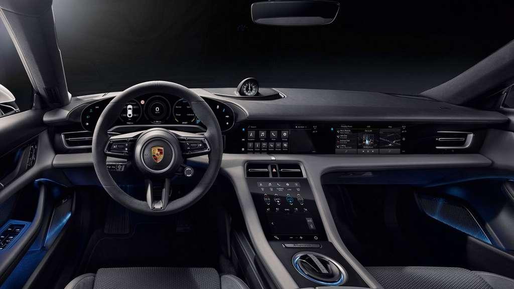 L'intérieur de la Porsche Taycan Turbo est personnalisable avec des matériaux recyclés et sans cuir. © Porsche
