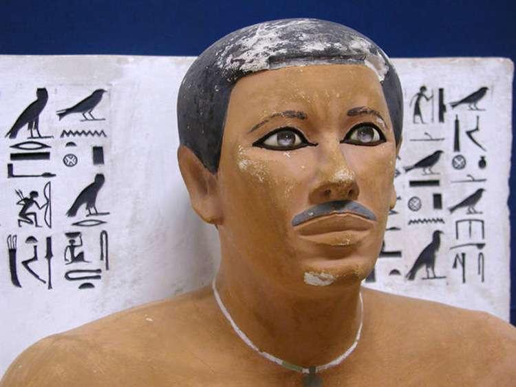 Statue du prince Rahotep, au Caire