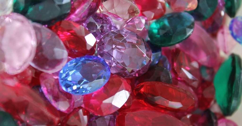 Déterminer l'indice de réfraction d'une pierre précieuse permet de l'identifier. En effet, l'indice de réfraction est propre à chaque pierre. © laminaria-vest, Pixabay, CC0 Creative Commons