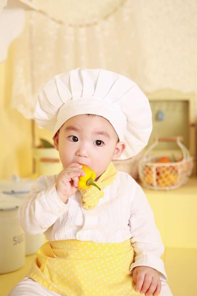 En cuisinant, les enfants apprennent à aimer les fruits et légumes. © Pixabay, Pexels