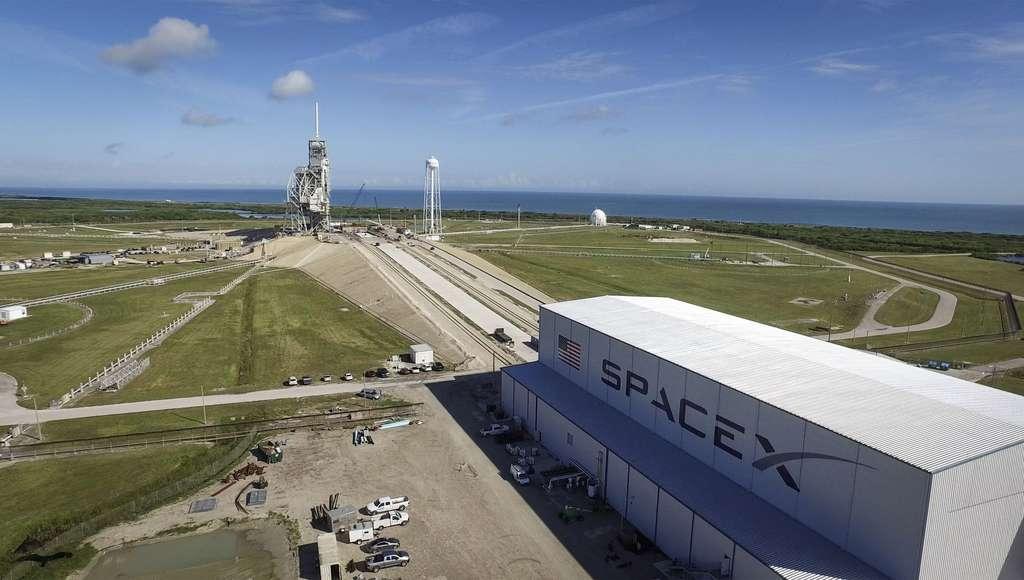 Le pas de tir 39A, du complexe de lancement 39 du Centre spatial Kennedy (Floride, États-Unis) réaménagé pour accueillir le Falcon Heavy et la version habitée du Falcon 9. © Nasa