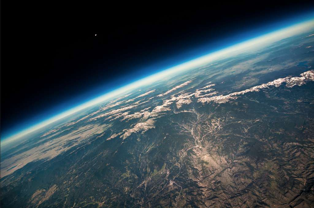 La Terre et la Lune vues d'un ballon