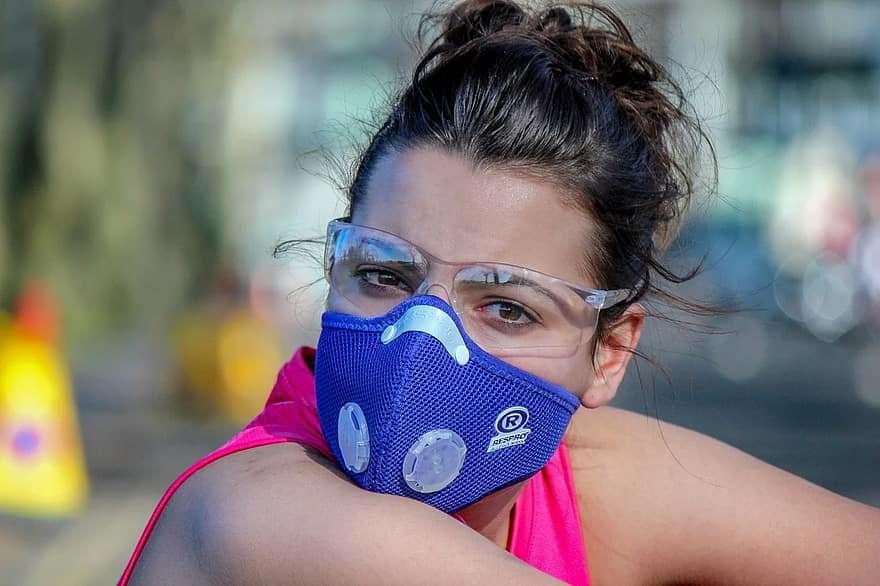 Pour se protéger et protéger les autres contre le coronavirus, oubliez le masque anti-pollution © Pikist