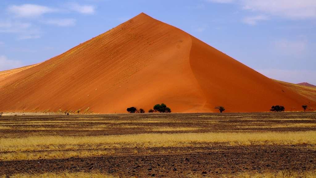 Namibie, des dunes de couleur rouge
