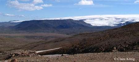 Hofsjokull et volcan tabulaire vus des Kerlingarfjöll. © Claire König
