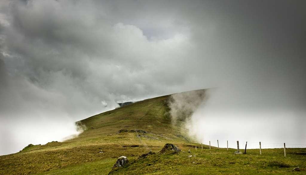 Une langue de terre vers les nuages. Photo prise dans le nord du Pays de Galles. © Steve M. Smith, Royal Photographic Society
