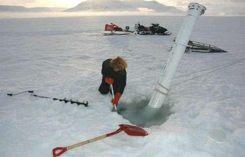 IMB – Ice Mass Balance - Appareil destiné à établir un bilan des masses de glace liés aux effets thermodynamiques lors des phases de gel et de fonte © Eric Brossier – Vagabond