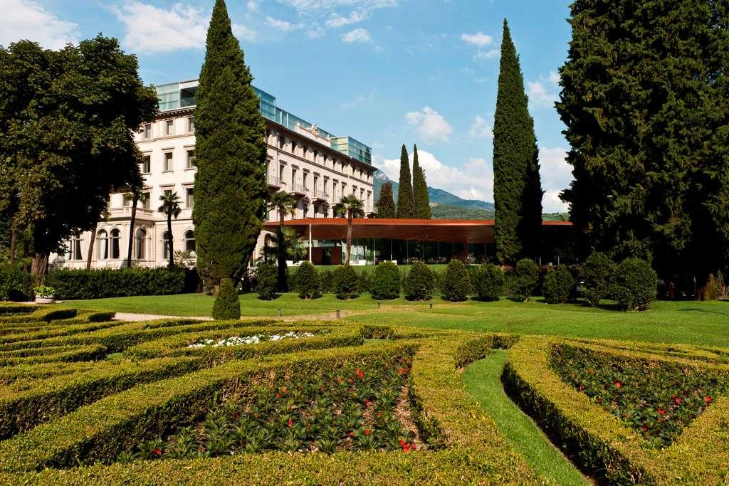 Les somptueux jardins du Lido Palace