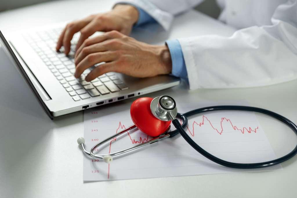 Le cardiologue doit avoir une grande capacité d'écoute vis à vis de ses patients © ronstik, Adobe Stock