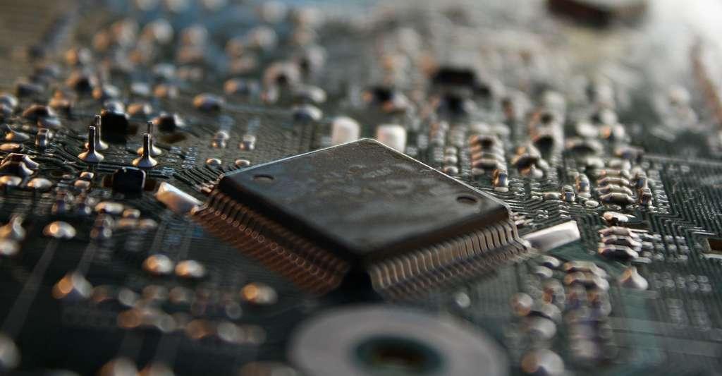 Le graphène supraconducteur pourrait être utilisé pour fabriquer des dispositifs de type transistor. Et même — compte tenu de la variété des molécules susceptibles de s'apparier au graphène — conduire au développement de dispositifs électroniques moléculaires supraconducteurs. © beear, Pixabay, CC0 Public Domain