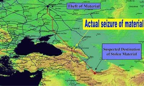 Un vol d'uranium a eu lieu à Moscou. Peu de temps après, une saisie de ce même matériau a été effectuée à Grozny, en Tchétchénie. En recoupant avec d'autres événements semblables, survenus en d'autres endroits et à d'autres moments, une analyse purement logique peut désigner Téhéran comme point d'aboutissement de ces transports clandestins. Crédit : Sandia National Laboratories