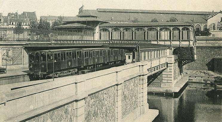 La station Bastille sur la ligne 1 du métro de Paris en 1903. © Wikimedia Commons, Domaine Public