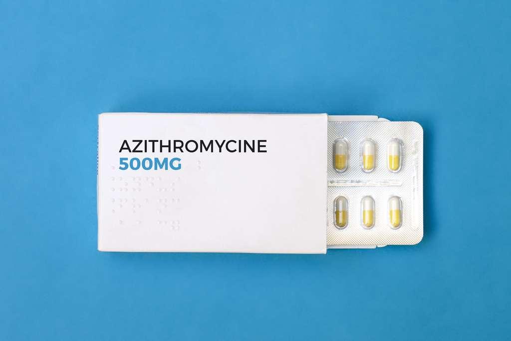 在Covid-19的背景下,根据最近的一项研究,使用阿奇霉素或安慰剂时28天的死亡率没有差异。  ©laurencesgez,Adobe Stock
