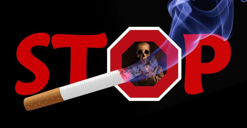 Sevrage tabagique : le patch est l'une des possibilités pour s'arrêter de fumer. © Image Point Fr, domaine public
