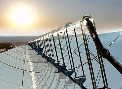 Les capteurs cylindro-paraboliques du programme Solar Paces dans le Nevada. © AIE