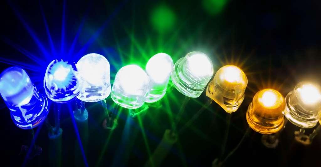 Diodes fluorescentes. © Verkhovynets Taras, Shutterstock