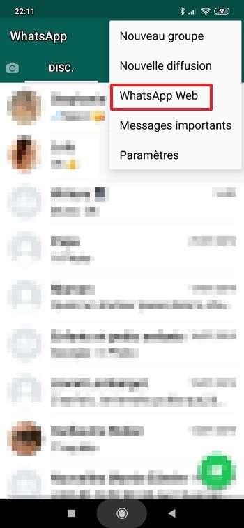 Appuyez sur « WhatsApp Web » dans le menu qui s'affiche. © Facebook