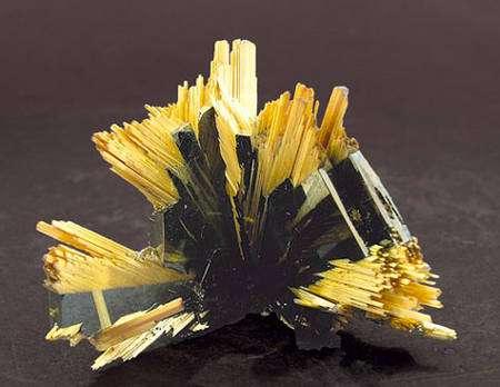 Rutile. © www.fabreminerals.com, Fabre Minerals photo